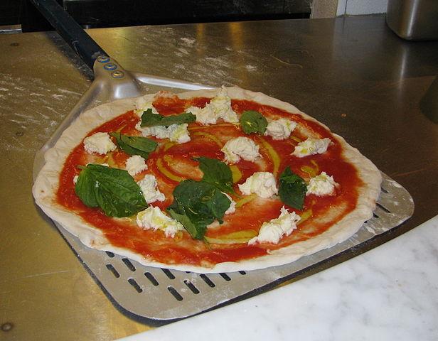 Pizzaschieber aus Aluminium