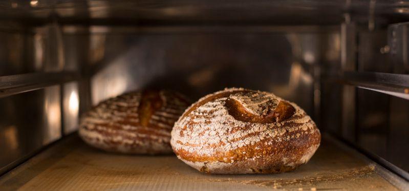 Schwaden bzw. Bedampfen von Brot